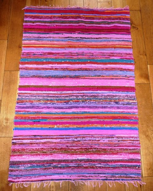 Lightweight rag rug/Chindi rug in Pinks (approx 6'x 4')